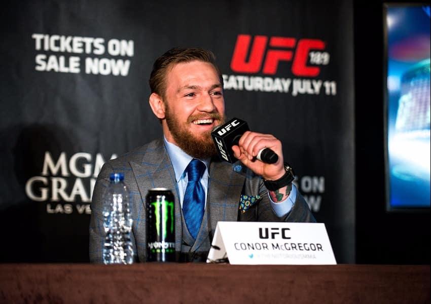 UFC_189_World_Tour_Aldo_vs._McGregor_London_2015_(18776759002)