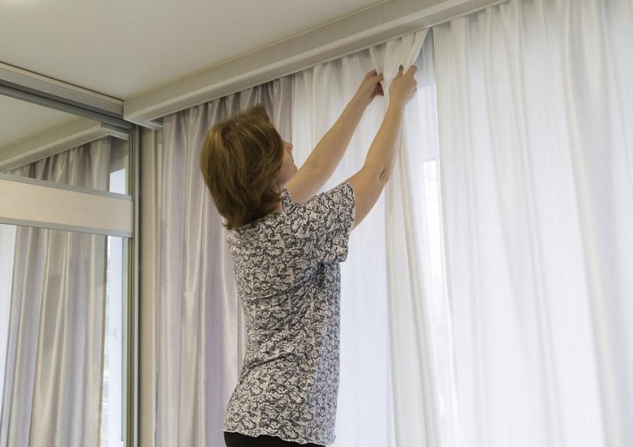 maintain curtains