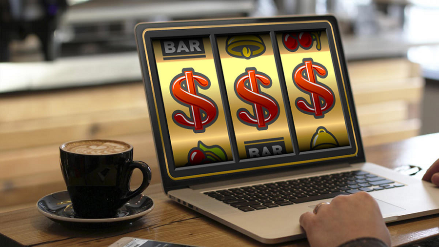 Online Casino and Online Slots Is The Orer Of The Day